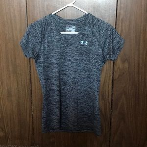 Under Armour Heat Gear Semi Fitted V-Neck T-Shirt